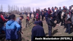Дел од демонстрантите на денешните протести во Киргистан