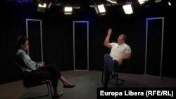 Natalia Morari și Ștefan Gligor în studioul Europei Libere la Chișinău