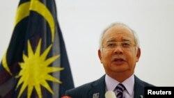 آمریکا در دادخواست خود بدون اشاره به نام نجیب رزاق، نخستوزیر مالزی، از «مرد شماره یک» این کشور نام برده است.