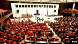 پارلمان ترکیه به طرح اصلاحی برای انتخاب مستقیم رییس جمهوری توسط مردم رای مثبت داد