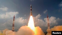 Запуск индийского космического корабля на Марс с космодрома Шрихарикота. 5 ноября 2013 года.