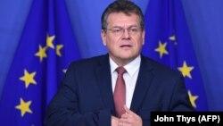 Високопосадовець ЄС Марош Шефчович (на фото) є одним із фаворитів президентських перегонів у Словаччині