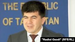 Акбар Гуломов