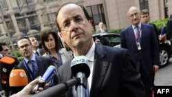 French President Francois Hollande says the use of armed force could be possible in Syria if it is backed by the United Nations.