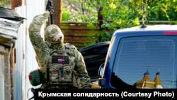 Обыск российских силовиков в Октябрьском 7 июля 2020 года