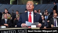 Дональд Трамп во время саммита НАТО в Брюсселе
