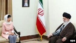Ayatollah Ali Khamenei və Park Geun-hye