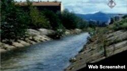Snimka kanala rijeke Dobrinje, mjesto stradanja Munire Zametice, prikazana na suđenju