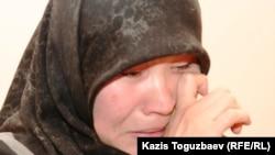 Өзбек босқынының әйелі Рано Жалолхонова. Алматы. 10 желтоқсан, 2010 жыл.