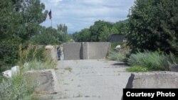 იქ, სადაც 2004 წლამდე ერგნეთის ბაზრობა იყო, ახლა რუსი მესაზღვრეების ბლოკ–საგუშაგო მდებარეობს.