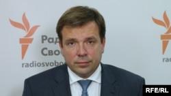 Наразі, за словами Миколи Скорика, перемовини між двома політичними силами не ведуться