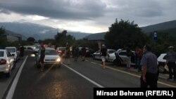 Policijske snage deblokirale su magistralni put M-17 nakon što su radnici Aluminija blokirali cestu između Mostara i Jablanice