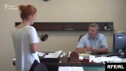 Журналісти попросили голову суду дізнатися у канцелярії, яким чином була подана позовна заява та чи бачили там саму Пасенко