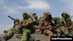 Российские войска в Гори ждут приказа главнокомандующего