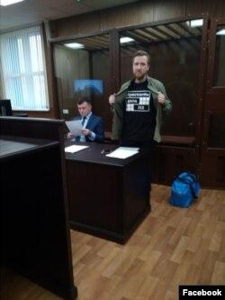 Сергей Абаничев и его адвокат Фёдор Сирош в зале суда