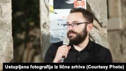Treba naglasiti da se u tribinu uključio zločinac: Đuro Radosavović