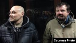 Журналісти Радіо Свобода Дмитро Баркар (л) й Ігор Ісхаков побиті під час затримання в центрі Києва, 20 січня 2014 року