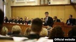 Premijer i članovi Vlade u sabornici