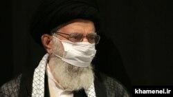 علی خامنهای در نشست ویژه بیت برای رفع مشکل گریه!