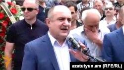 Nagorno-Karabakh -- Former Karabakh Army commander Samvel Babayan addressess supporters in Stepanakert, 5Jun2016
