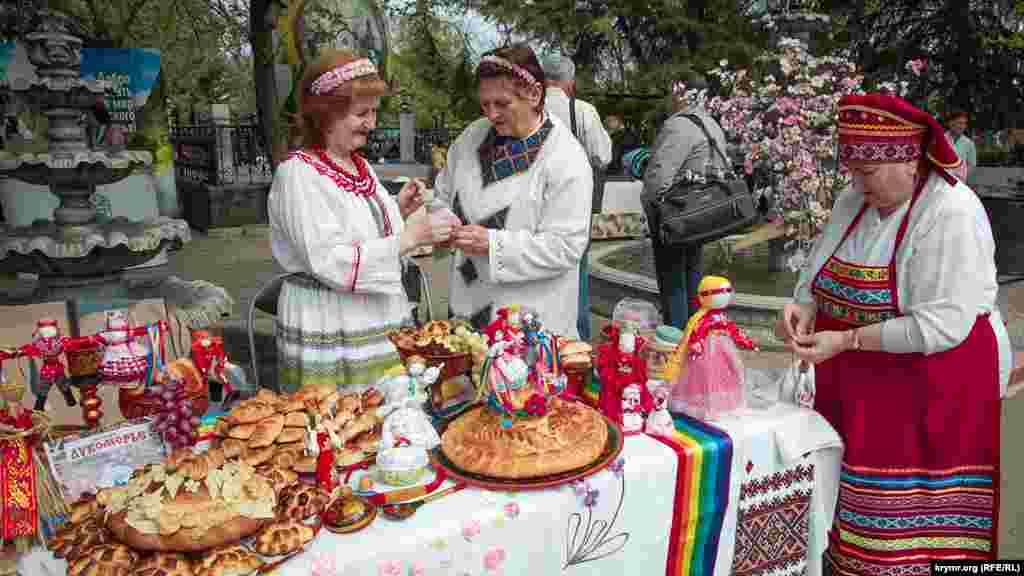 Стіл громадської організації «Влана», що пропагує слов'янську культуру