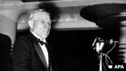 Уильям Додд выступает в Берлинском концертном зале в мае 1935 года