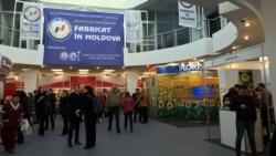 """Expoziţia """"Fabricat în Moldova"""": antreprenorii locali au învăţat cum să-şi promoveze eficient produsele"""