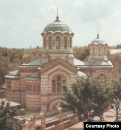 """Biserica Sf. Pantelimon din Chișinău, ctitoria familiei Sinadino. Sursă: Arhiva ziarului """"Timpul"""""""