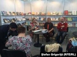 La prezentarea cărții lui Dumitru Crudu la Praga cu Jiri Nasinec