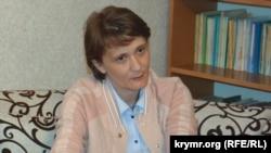 Lenora Dülber
