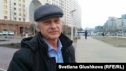 Юрист Антон Фабрый, который пытается через суд оспорить запрет ДВК на территории Казахстана.