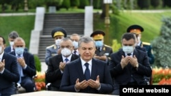 Шавкат Мирзиеев на церемонии памяти жертв репрессий