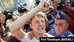 Уже целый год по 31-м числам на Триумфальной задерживают оппозиционеров