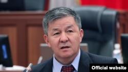 """""""Азаттык"""" партиясынын лидери Исмаил Исаков"""