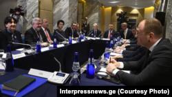Встреча представителей власти и оппозиции в гостинице «Билтмор» 30 ноября