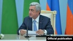 Президент Армении Серж Саргсян на совместной пресс-конференции по итогам переговоров с президентом Туркменистана Гурбангулы Бердымухамедовым, Ереван, 24 августа 2017 г.