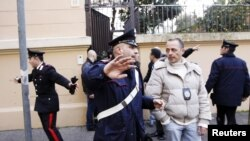 Припадници на италијанската полиција