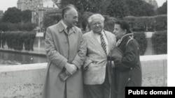 Слева направо: адвокат Борис Золотухин, Константин Симис и Дина Каминская