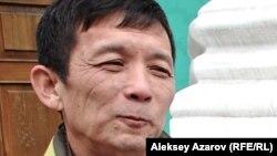 Поэт и переводчик Станислав Ли. Алматы, 29 апреля 2013 года.