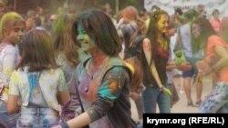 Фестиваль красок в Симферополе. 19 мая 2018 года