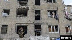 (ілюстраційне фото: зруйнований сепаратистами будинок у Пісках)