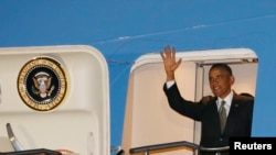 Президенти ИМА дар пойгоҳи Ватерклуфи Африқои ҷанубӣ