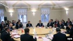 Заседание премьер-министров Беларуси, Казахстана и России по вопросам Таможенного союза. Санкт-Петербург, 11 декабря 2009 года.