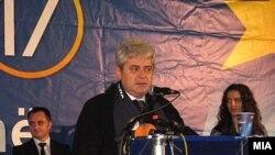 Али Ахмети, лидер на ДУИ на предизборен митинг во Гостивар.