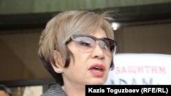 Гульжан Ергалиева в интервью журналистам говорит о новом своем проекте - журнале ADAM. Алматы, 26 февраля 2015 года
