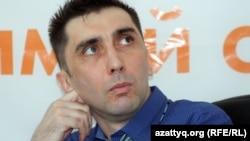 Правозащитник Вадим Курамшин в редакции Азаттыка. Алматы, 31 августа 2012 года.