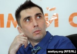 Гражданский активист Вадим Курамшин. Алматы, 31 августа 2012 года.