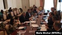 Учасники другого семінару комісії «Правда, справедливість і примирення» на зустрічі в Києві 2-3 жовтня 2018 року