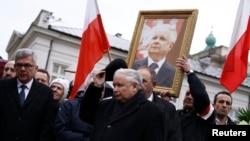 Ярослав Качиньский на акции памяти жертв авиакатастрофы под Смоленском