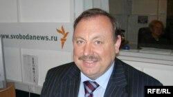 По мнению депутата Гудкова, конкретный перечень предметов роскоши - вопрос второго чтения законопроекта, главное - принять концепцию